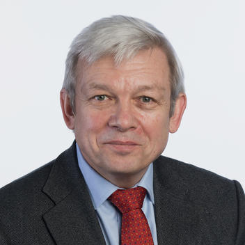 Portrait photo of Andrei Konoplyanik